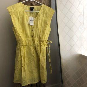 NWT Yellow Sleeveless Motherhood Maternity Top